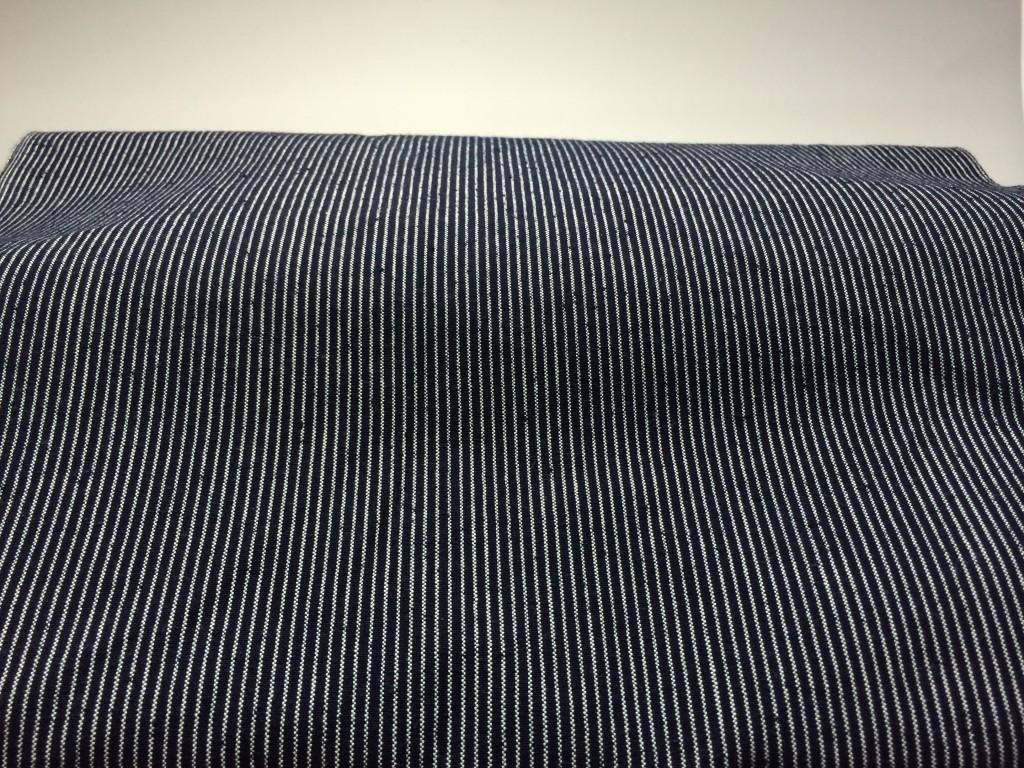 H26.6.25紺白1羽縞